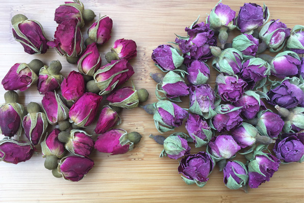 Rose damas and common rose