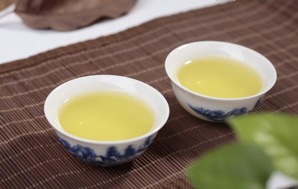 Osmanthus Oolong Tea Brewing