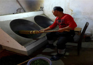 Frying of Liu An Gua Pian 2