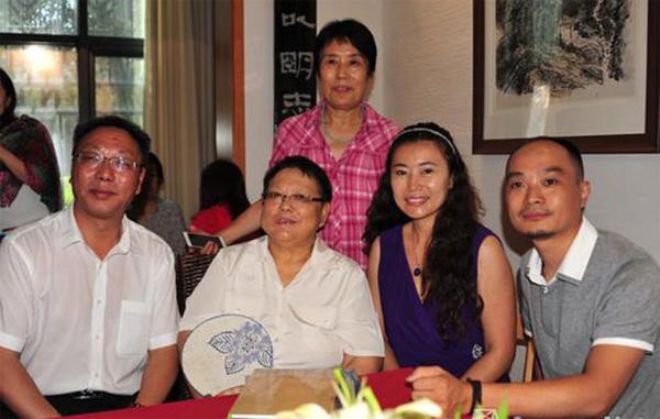 DENG Lin visit Yuan Xun Tea Factory to taste Jin Jun Mei