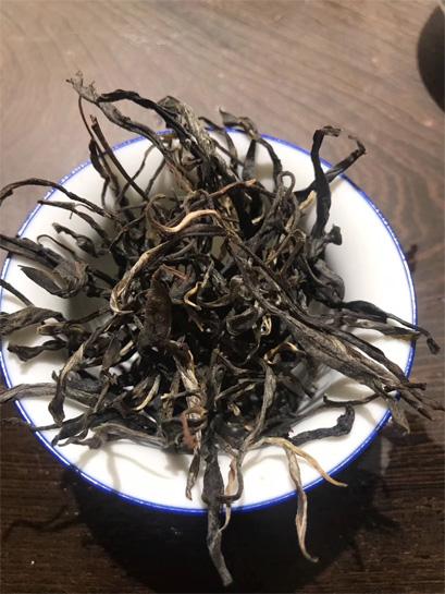 Gigantic Yunnan Big Leaf Tea 3