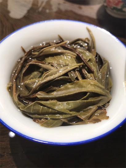 Gigantic Yunnan Big Leaf Tea 4