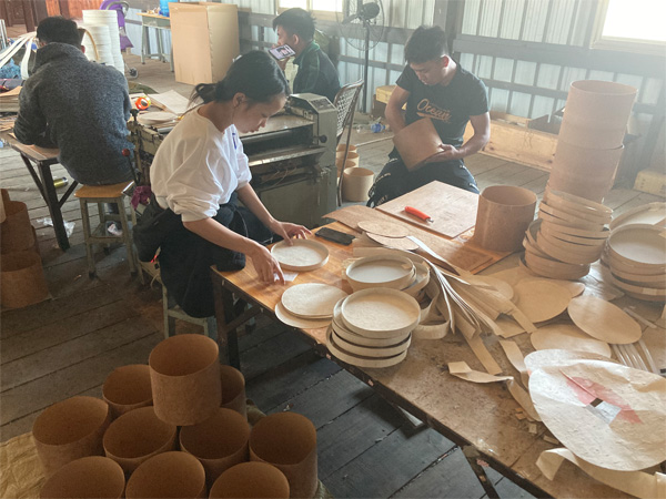 The manufacturing of traditional Thai Wrapping Paper 23