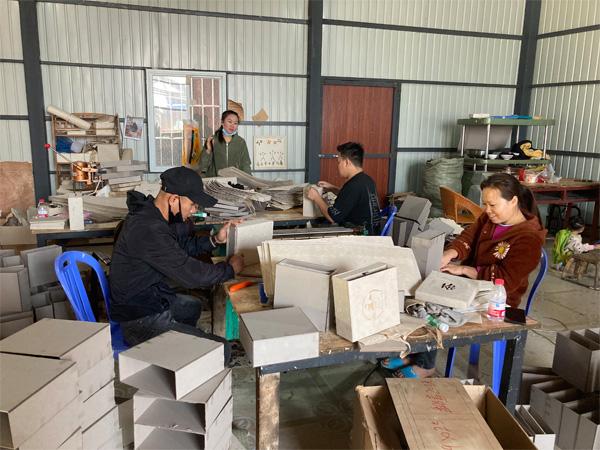 The manufacturing of traditional Thai Wrapping Paper 24