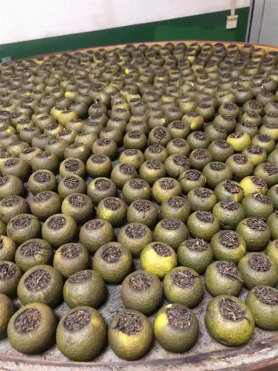 The processing of Tangerine Pu-erh in Xinhui 7